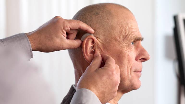 La pérdida auditiva aumenta el riesgo de padecer deterioro cognitivo y demencia